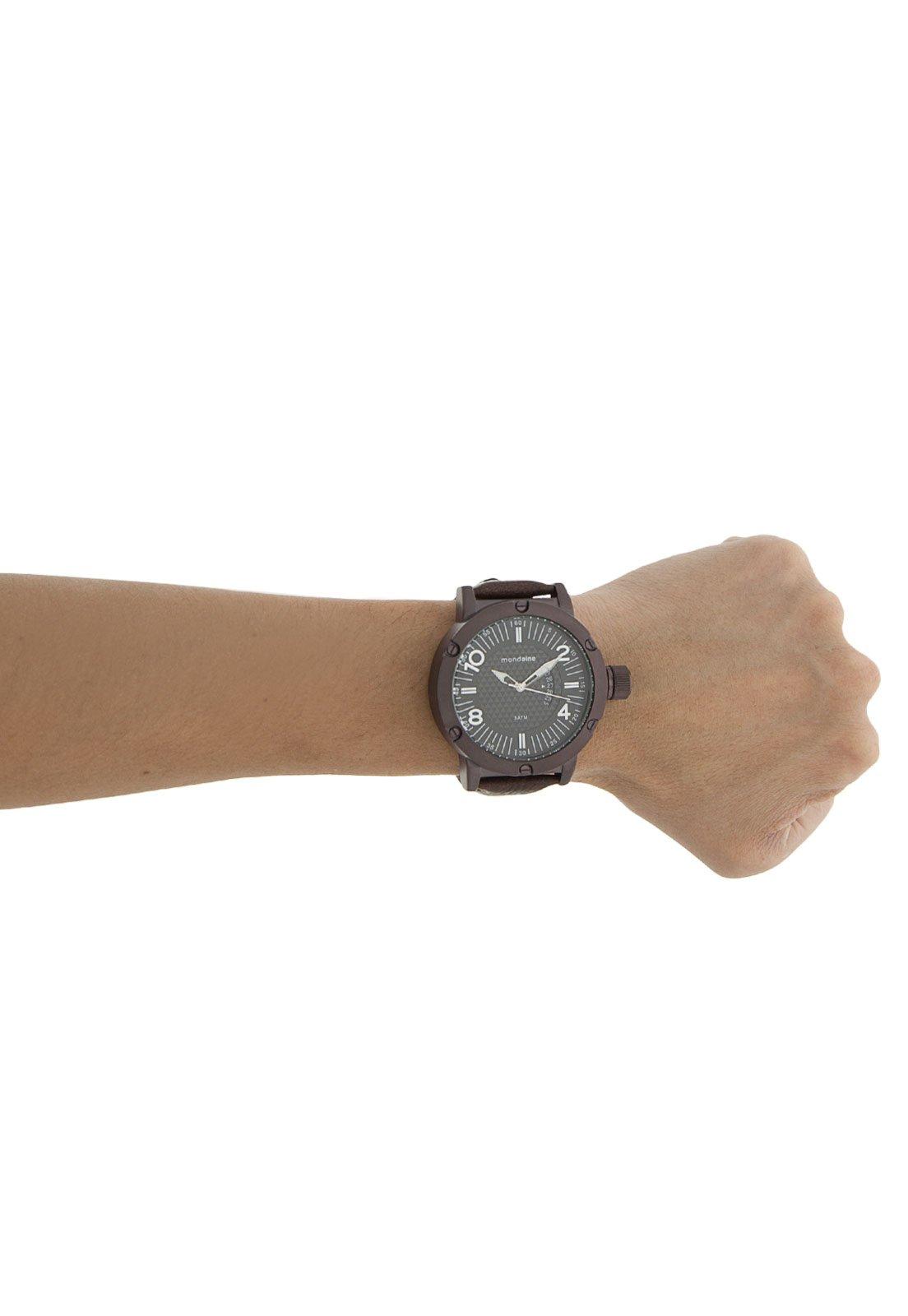 ceae5dc48b411 Tio Ricardo) Relógio Masculino Mondaine - Caixa de 5,9 cm - R  88,10 ...