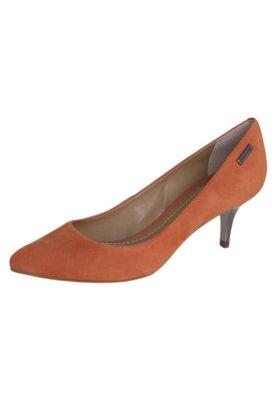 Sapato Scarpin Dumond Salto Baixo Bico Fino Caramelo