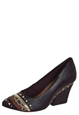 Sapato Scarpin Crysalis Recortes Marrom