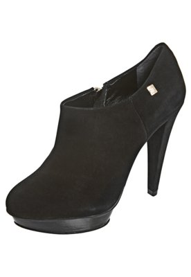 Ankle Boot Clean Preta - Loucos e Santos