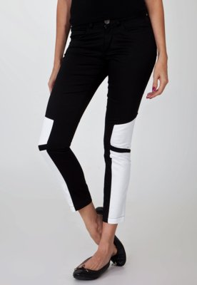 Calça Calvin Klein Jeans Recortes Preta