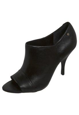 Ankle Boot Recortes Preta - Capodarte