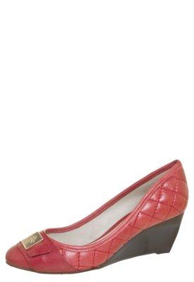 Sapato Scarpin Capodarte Anabela Baixo Matelassê Vermelho