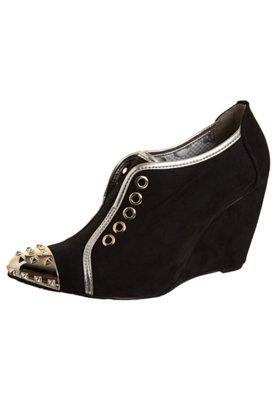 Ankle Boot Anabela Cap Toe SPikes Preta - Miucha