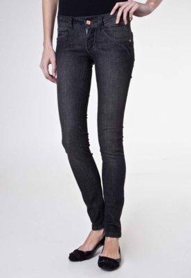 Calça Jeans Biotipo Skinny Adornos Preta
