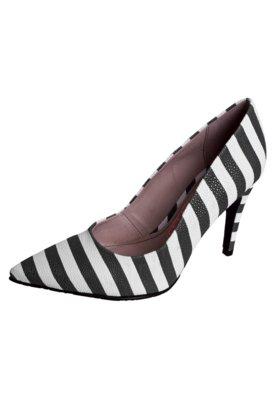 Sapato Scarpin Miucha Bico Fino Textura Branco