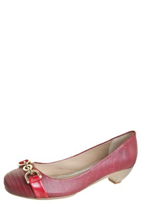 Sapato Scarpin Anna Flynn Fivela Vermelha