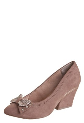 Sapato Scarpin Crysalis Genebra Tie Bege