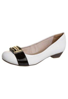 Sapato Scarpin Bebecê alto Baixo Tira Fivela Branco