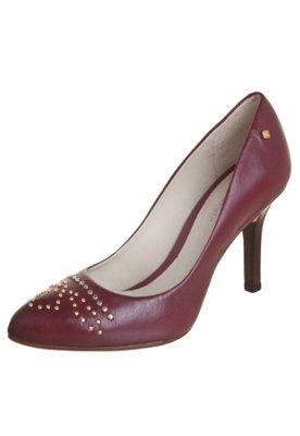 Sapato Scarpin Capodarte Tachas Vinho