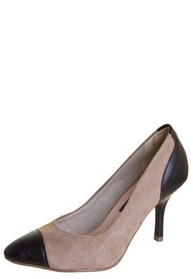 Sapato Scarpin Anna Flynn Recorte Bege