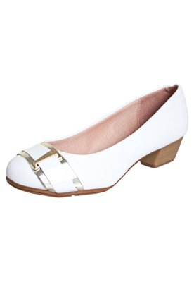 Sapato Scarpin Moleca Tira e Ferragem Branco