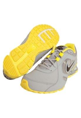 Tênis Nike Reax Tr 7 Lea Cinza