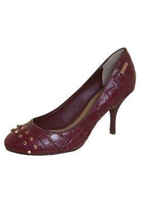 Sapato Scarpin Dumond Biqueira SPikes Vinho