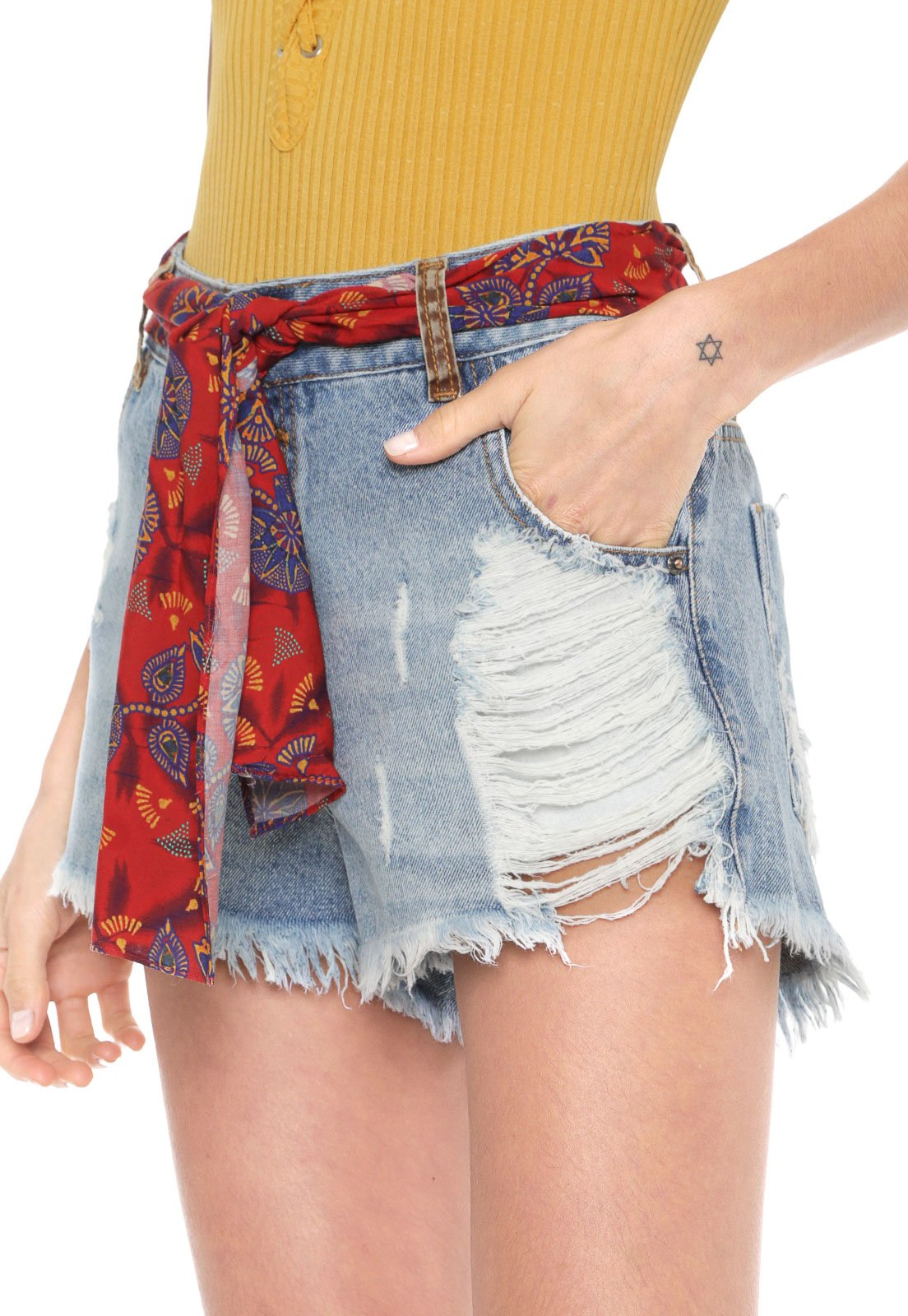 Short Jeans Cantão Destroyed Lenço Azul - Compre Agora | Dafiti Brasil