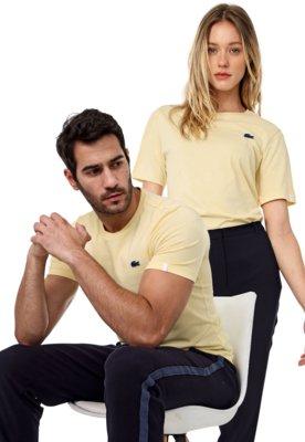 Menor preço em Camiseta Lacoste L!VE No Gender Lisa Amarela