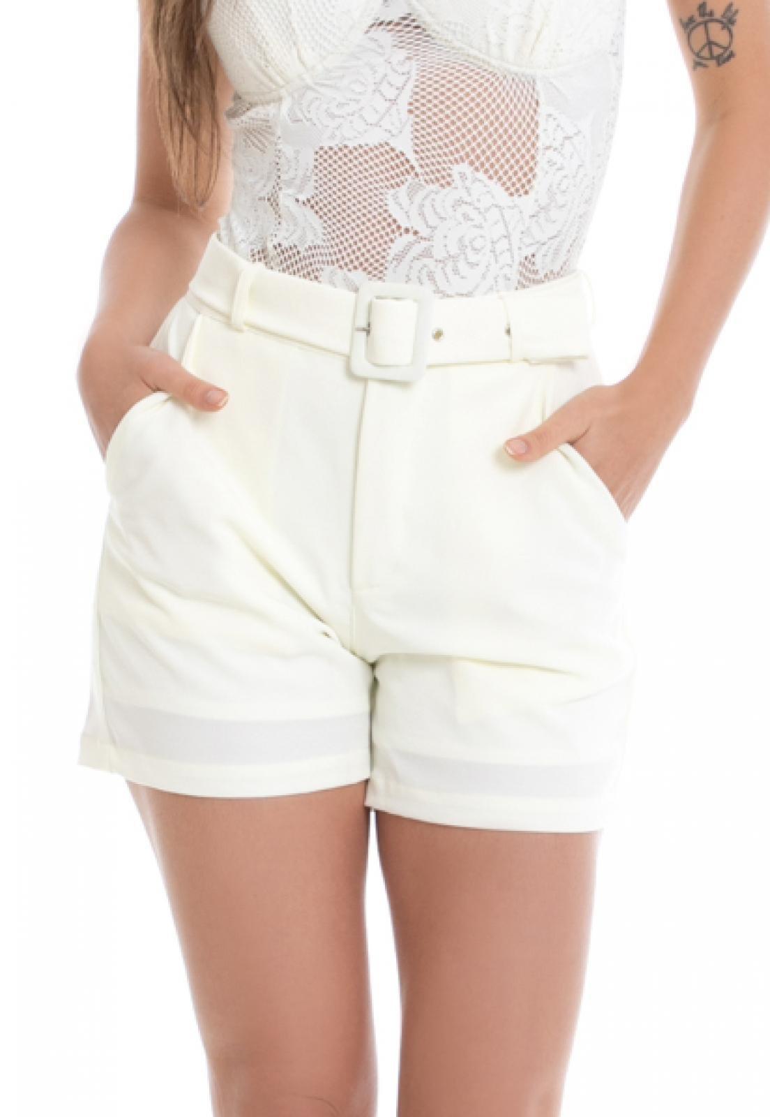Shorts PKD de Tecido Com Cinto Off White - Marca PKD Concept